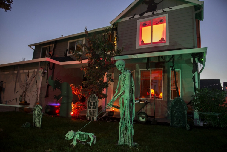 ornamentos para halloween-decorating-exterior