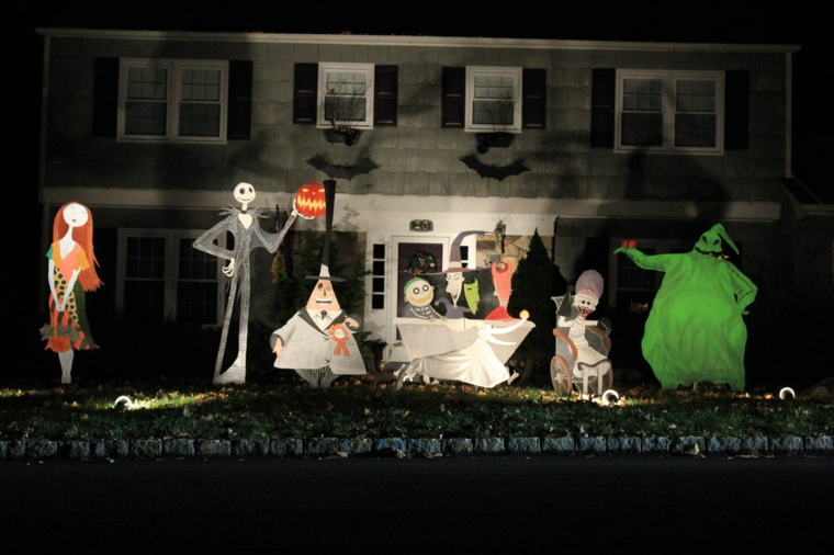 halloween-outdoor decoration