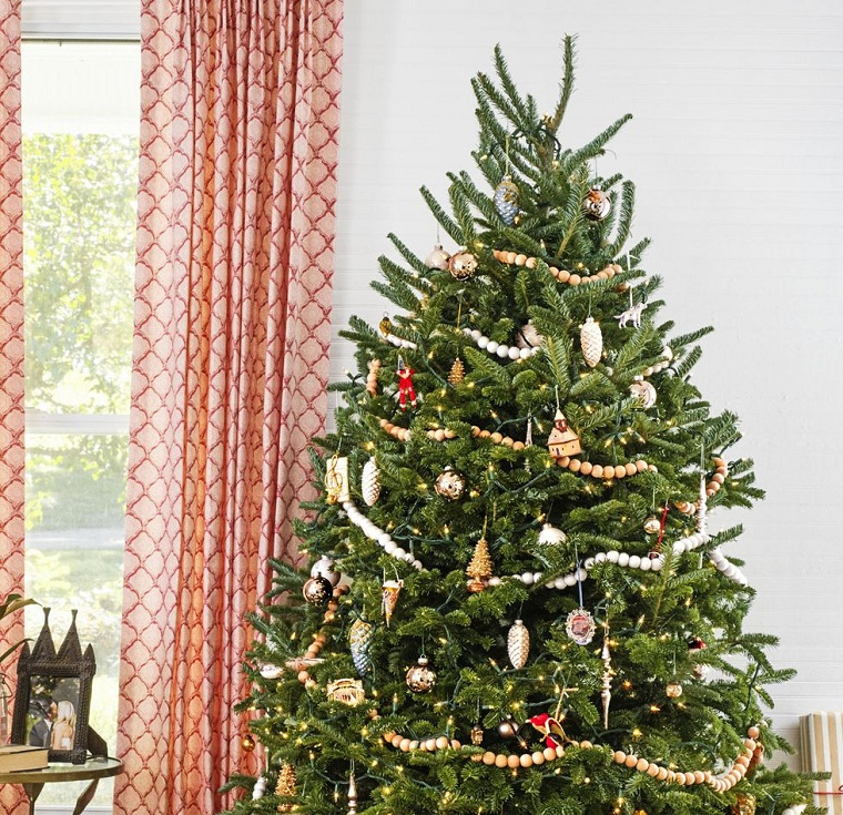 Christmas-trees-decorated-style-rustic-ideas
