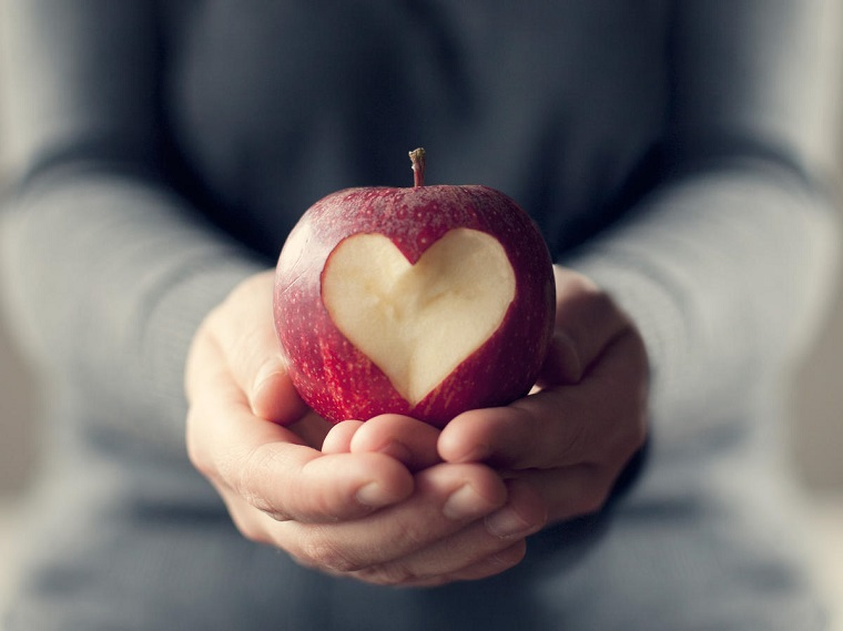 good-foods-for-the-heart-apples