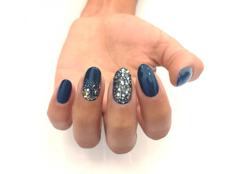color-blue-glitter-some-style