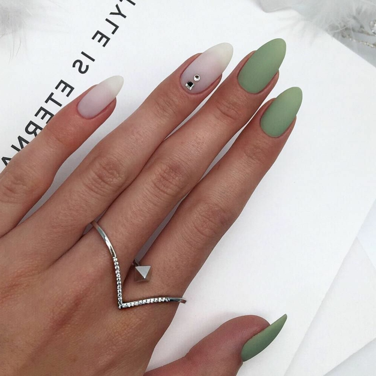 Trend-Nail 2020-color-nude-bright