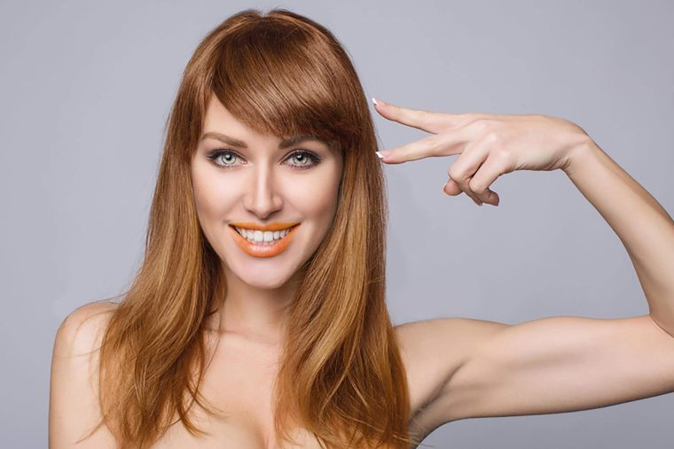 "woman-color-cut-bangs ""width ="" 760 ""height ="" 507 ""srcset ="" https://casaydiseno.com/wp- content / uploads / 2020/09 / woman-color-cut-bangs.jpg 760w, https://casaydiseno.com/wp-content/uploads/2020/09/mujer-color-corte-flequillo-720x480.jpg 720w "" tamanhos = ""(largura máxima: 760px) 100vw, 760px"" /> </p> <p style="