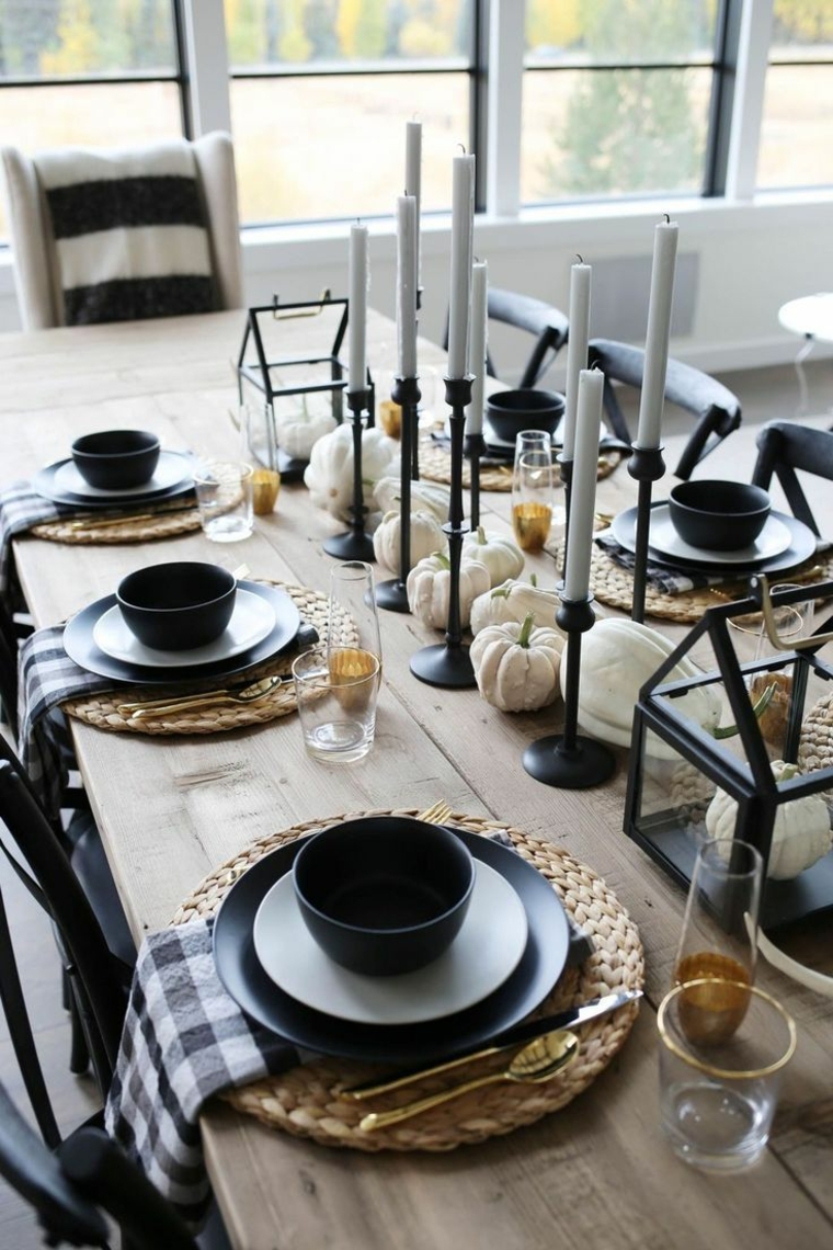 Halloween-table-center-red-black-plate