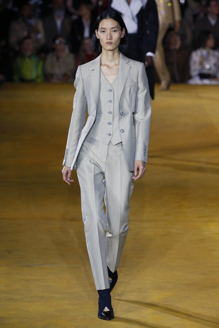 clothing-office-2020-Burberry