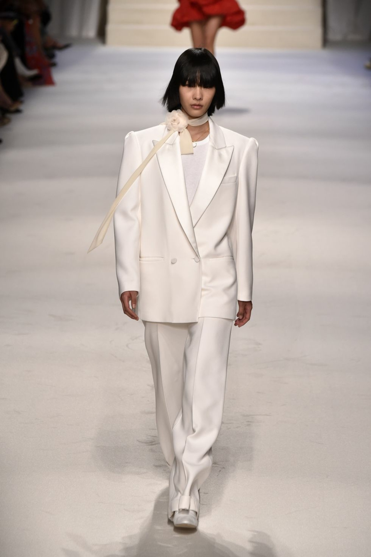 clothing-office-style-suit-white-atemporal