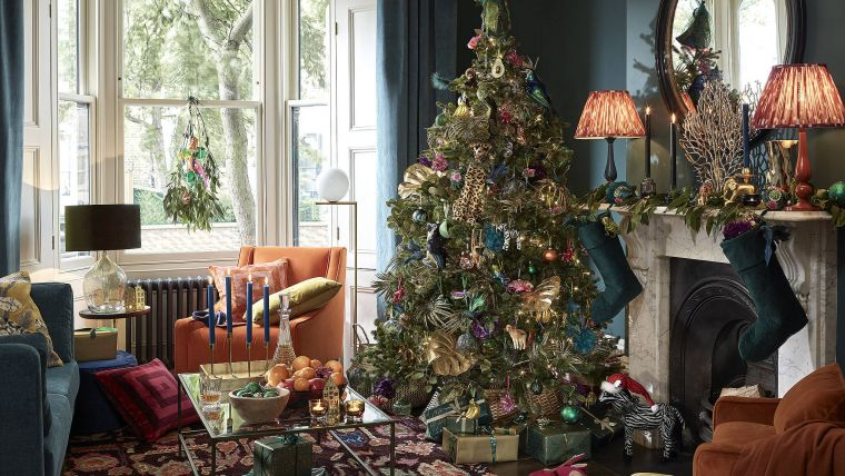 Christmas-tree-2020-decorate-home
