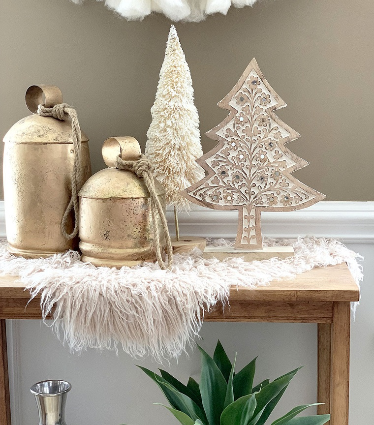 Christmas-tree-small-neutral-colors