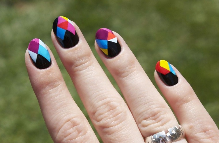 cores- eye-catching-nail-style