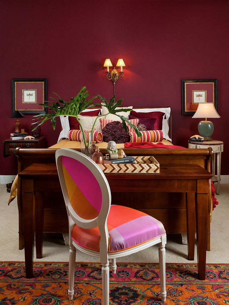 Color-2021-burgundy-home-office