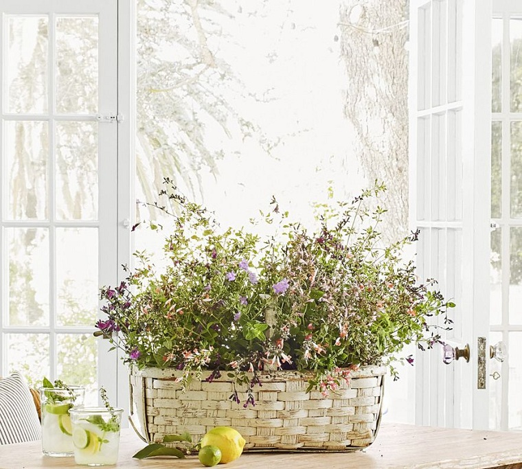 spring-2021-center-table-ideas