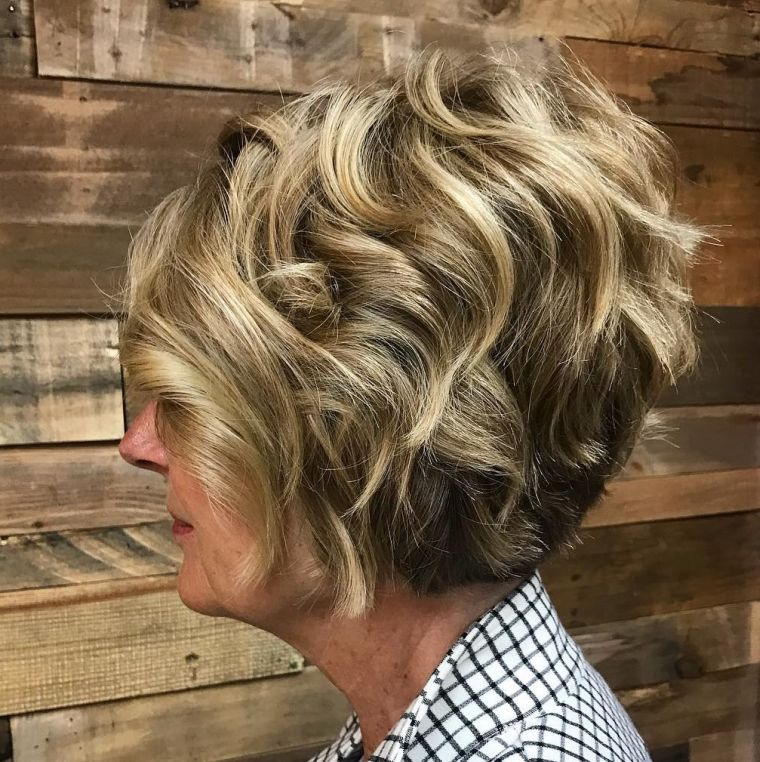 """50-year-old-woman-curly-hair """"width ="""" 760 """"height ="""" 762 """"srcset ="""" https://casaydiseno.com/wp-content/ uploads / 2021 /03/hair-rizado-mujer-50-anos.jpg 760w, https://casaydiseno.com/wp-content/uploads/2021/03/cabello-rizado-mujer-50-anos-150x150.jpg 150w """"tamanhos ="""" (largura máxima: 760px) 100vw, 760px """"/> </p> <p style="""