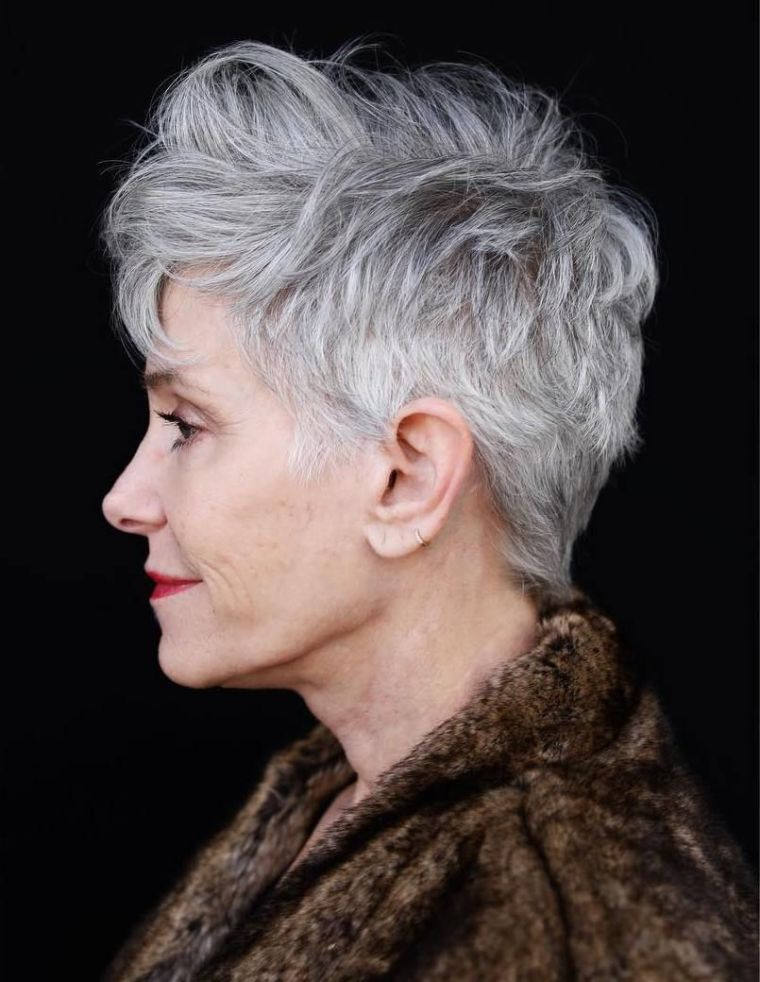 color-hair-woman-50-year-old-grey-modern