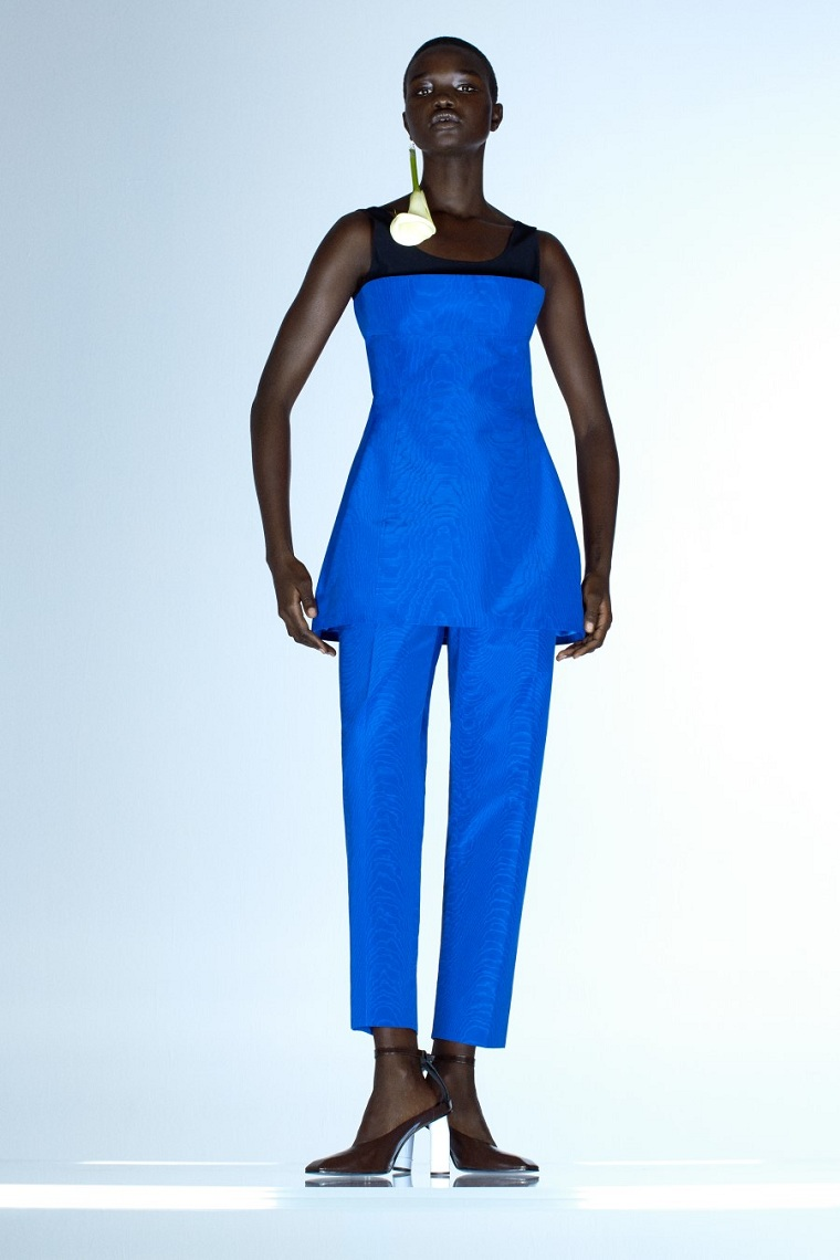 Nina-Ricci-spring-summer-2021-Paris-blue-suit
