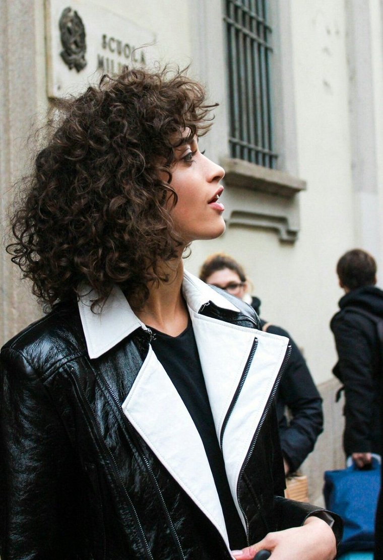 woman-curly-hair-style-girl