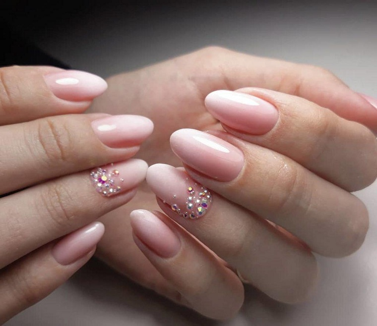 color-of-some-summer-manicure-nude-stones