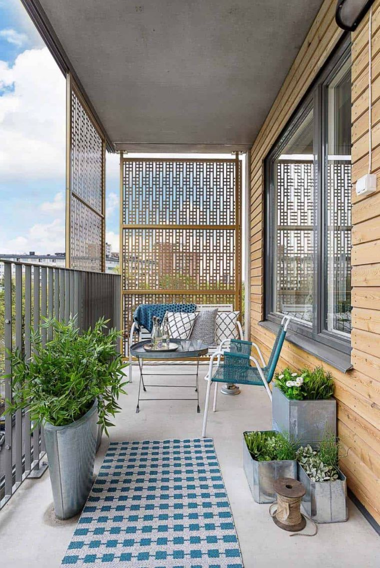balcony-style-design-hide-partitions